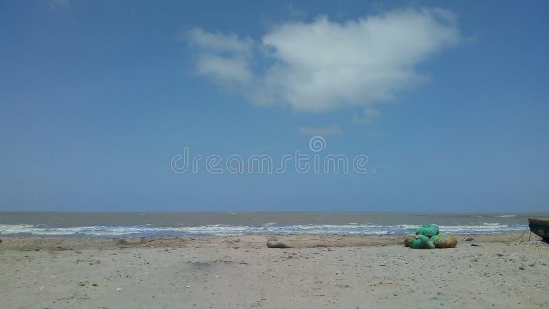 Ηλιόλουστη παραλία στοκ φωτογραφίες