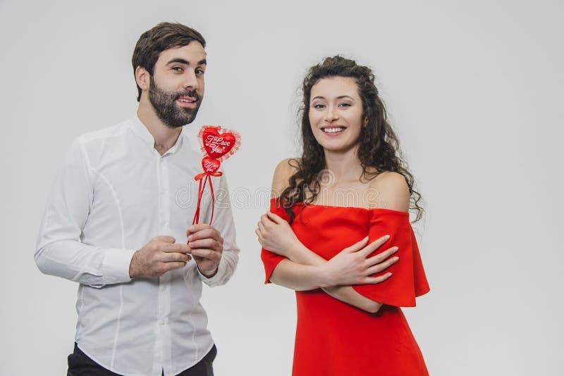 Ημέρα και αγάπη βαλεντίνων ` s Οι ευτυχείς μαζί ρομαντικές ιδέες γιορτάζουν την ημέρα του βαλεντίνου Έννοια ημέρας βαλεντίνων ` s στοκ εικόνα
