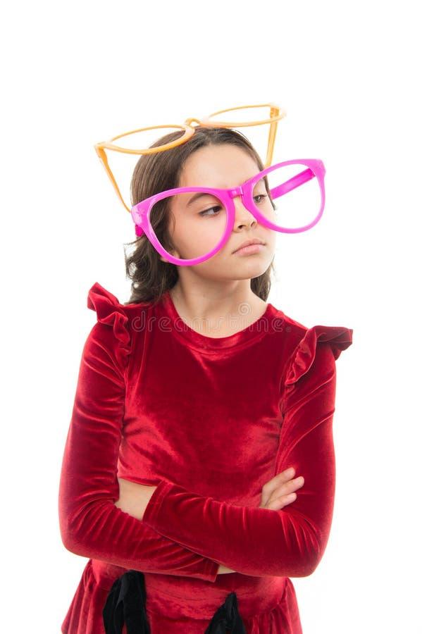 Ημέρα παιδιών Μόδα και ύφος παιδιών παιδική ηλικία και ευτυχία Μικρό κορίτσι στα γυαλιά κομμάτων μικρό καλοκαίρι χαιρετισμού κορι στοκ φωτογραφία με δικαίωμα ελεύθερης χρήσης
