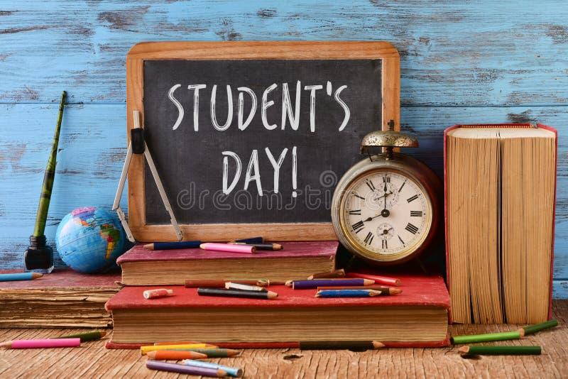 Ημέρα σπουδαστών κειμένων σε έναν πίνακα κιμωλίας στοκ φωτογραφίες με δικαίωμα ελεύθερης χρήσης
