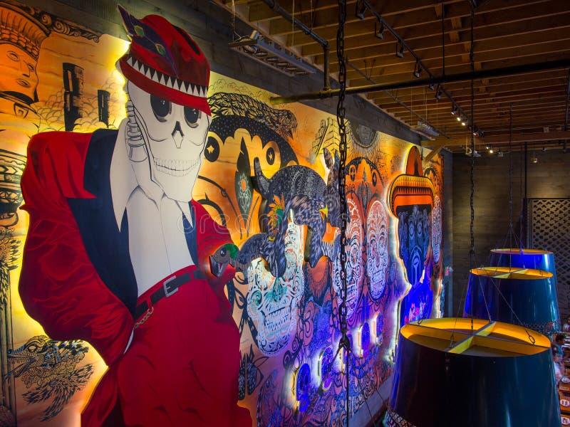 Ημέρα της νεκρής τοιχογραφίας EL Catrin Destileria, περιοχή οινοπνευματοποιιών Τορόντο, ΕΠΑΝΩ r στοκ εικόνες