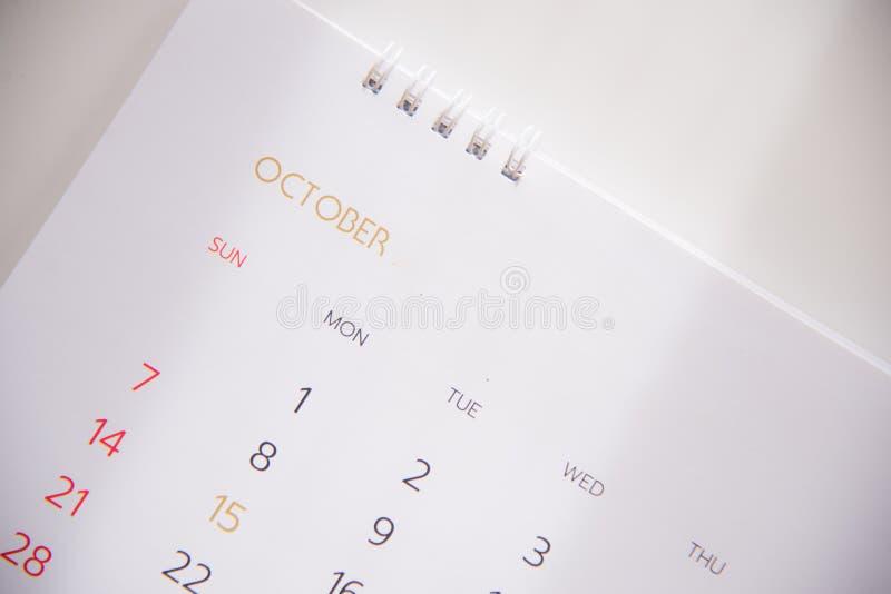 Ημερολογιακή σελίδα στον προγραμματισμό της έννοιας στοκ φωτογραφίες