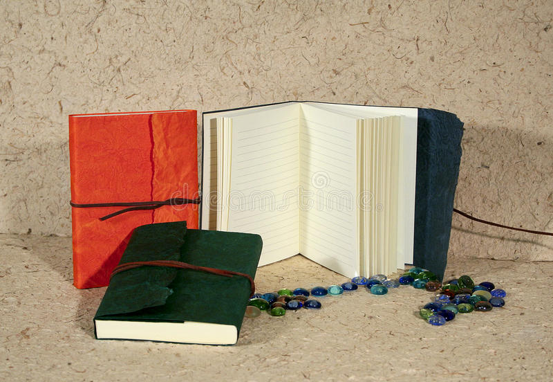 Download ημερολόγια στοκ εικόνα. εικόνα από κλειστός, δέρμα, χρωματισμένος - 13176765