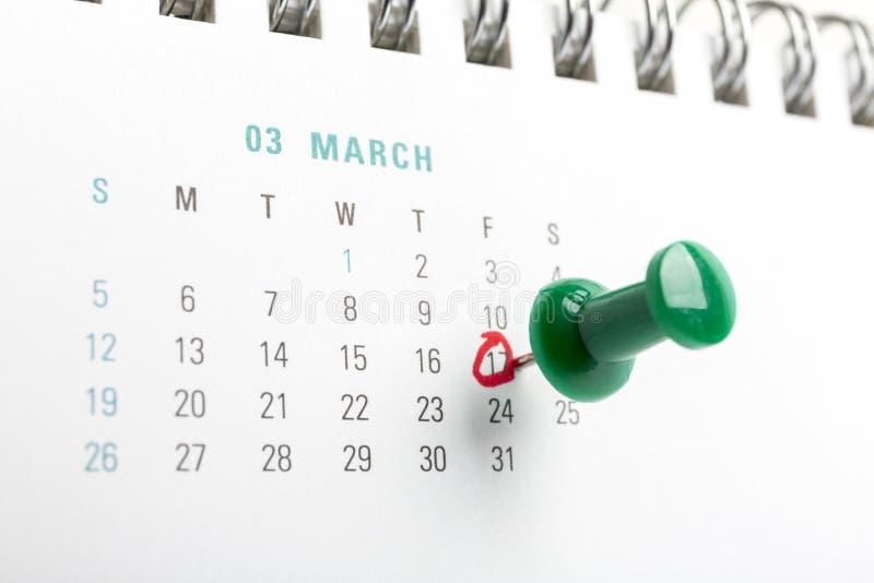 Ημερολογιακή καρφίτσα ημέρας του ST patricks το Μάρτιο στοκ εικόνα με δικαίωμα ελεύθερης χρήσης