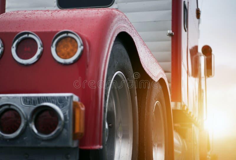 Ημι μεταφορά φορτηγών στοκ φωτογραφίες