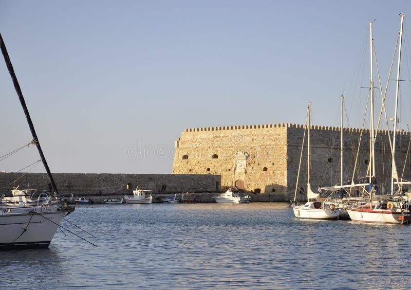 Ηράκλειο, στις 5 Σεπτεμβρίου: Φρούριο Koules από το λιμένα Ηρακλείου στο νησί της Κρήτης της Ελλάδας στοκ εικόνες