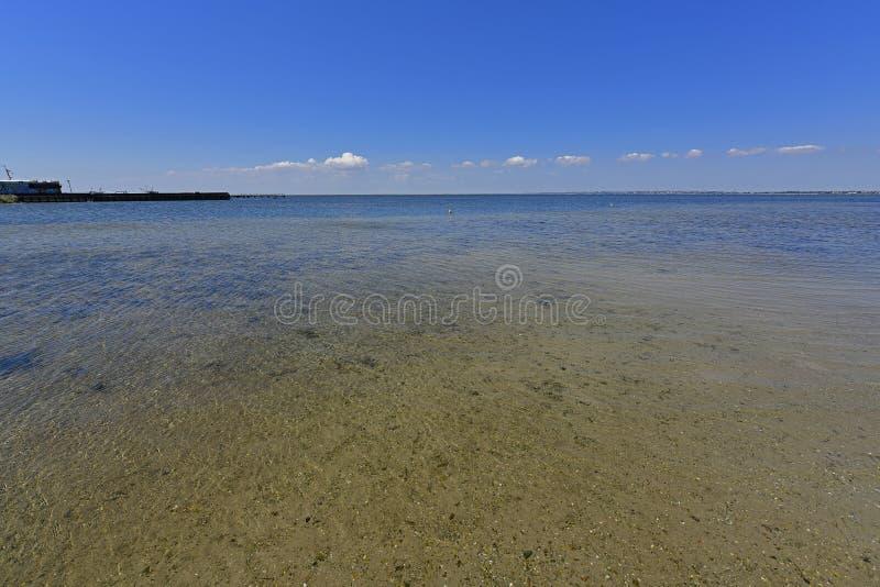 Ηρεμία στον κόλπο θάλασσας Ο οβελός Berdyansk βρίσκεται στο Βορρά της Azov θάλασσας στοκ εικόνα με δικαίωμα ελεύθερης χρήσης