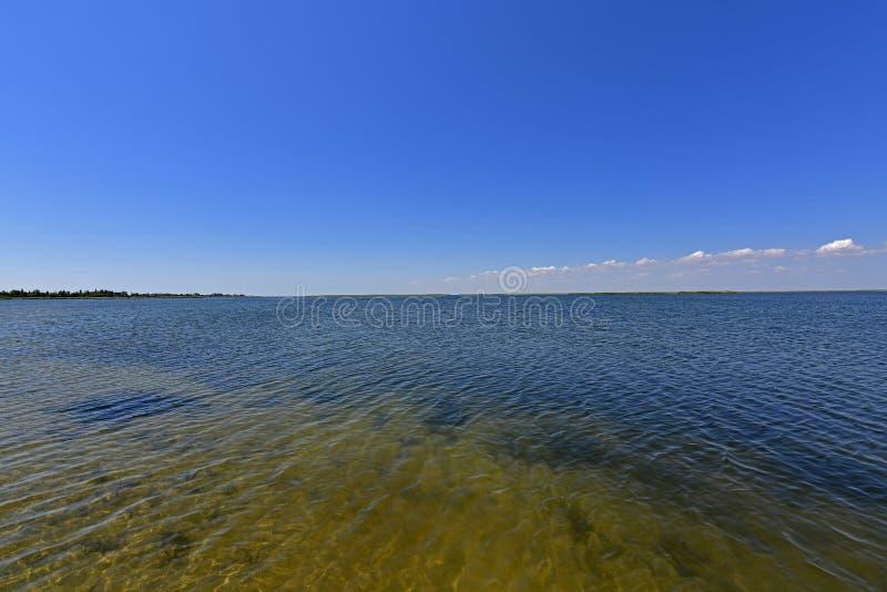 Ηρεμία στον κόλπο θάλασσας Ο οβελός Berdyansk βρίσκεται στο Βορρά της Azov θάλασσας στοκ εικόνα