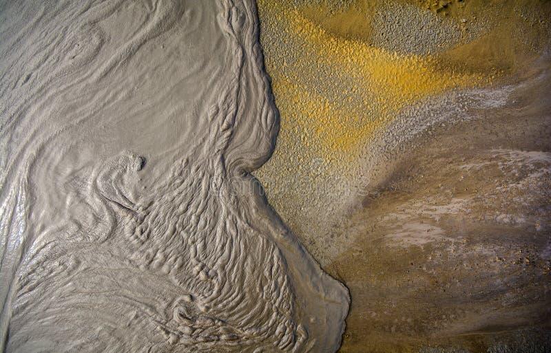 Ηφαίστειο λάσπης από τη Ρουμανία, λεπτομερής κινηματογράφηση σε πρώτο πλάνο της φύσης στοκ φωτογραφία