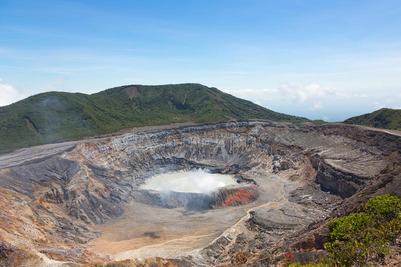 ηφαίστειο rica poas κρατήρων πλε&u στοκ εικόνες