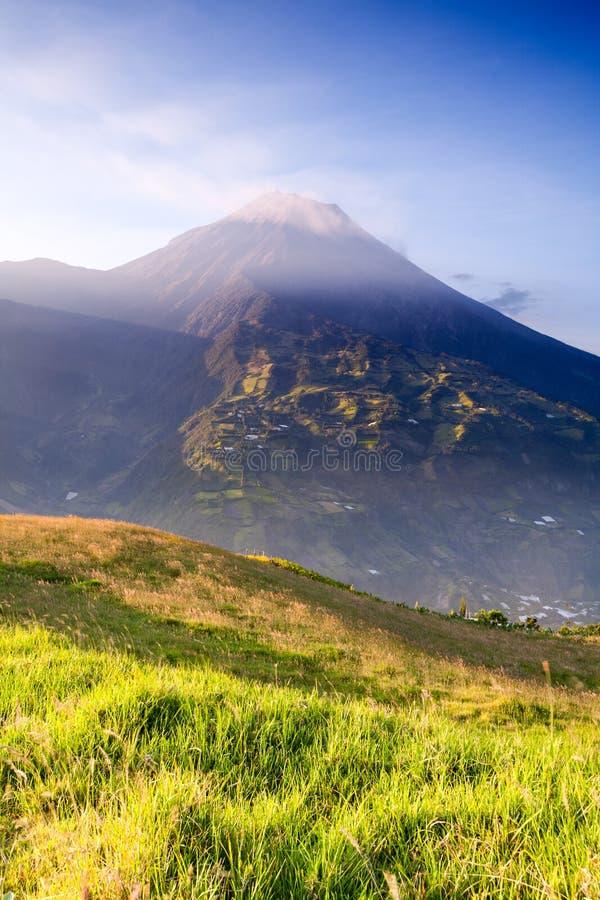 Ηφαίστειο Tungurahua μια ημέρα μαλακίων στοκ εικόνες με δικαίωμα ελεύθερης χρήσης