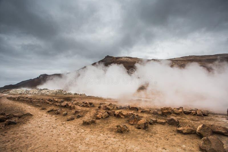 Ηφαιστειακό τοπίο, Namafjall Hverir Ισλανδία στοκ εικόνες