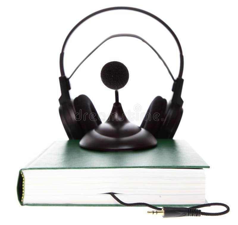 Ηχητικά βιβλία στο λευκό στοκ φωτογραφίες