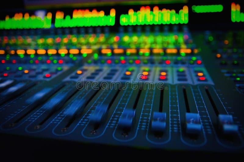 ηχητική μίξη κονσολών στοκ φωτογραφίες