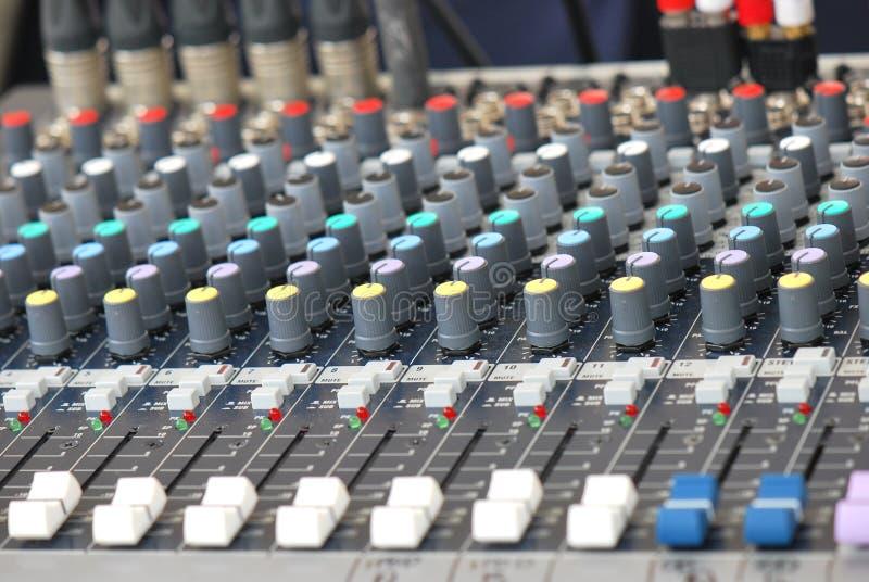 Ηχητικός αναμίκτης στοκ εικόνες