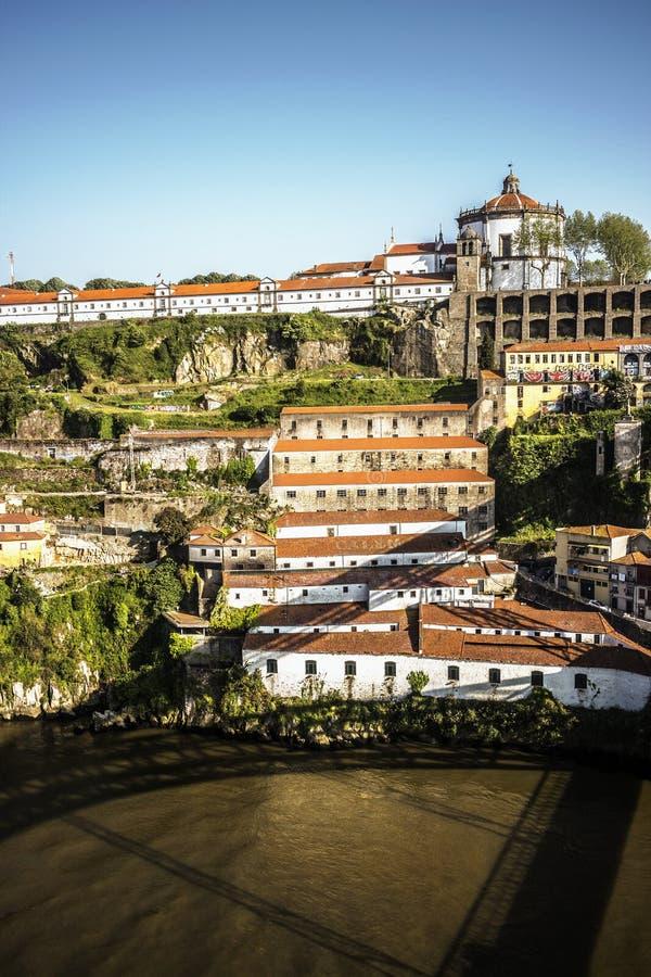 Η άποψη πέρα από Mosteiro DA Serra κάνει το Πιλάρ από το Πόρτο, Πορτογαλία στοκ φωτογραφίες