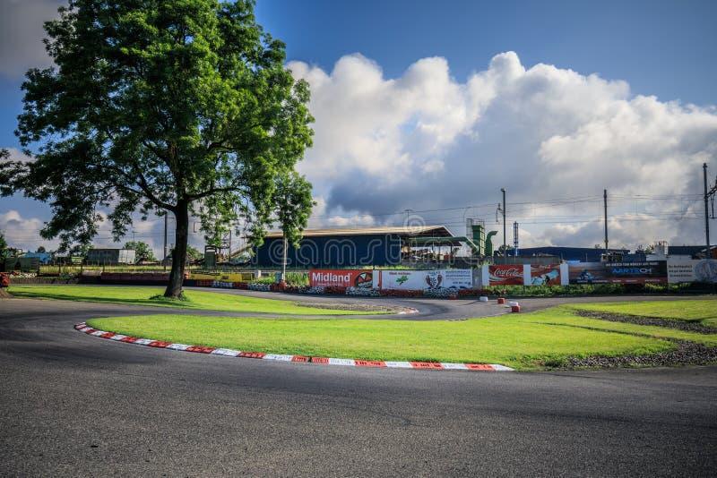 Η άποψη πανοράματος της ελβετικής διαδρομής πρωταθλήματος kart μέσα στοκ εικόνα με δικαίωμα ελεύθερης χρήσης