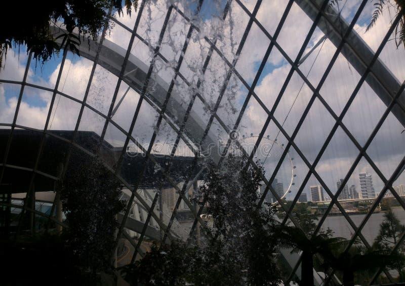 Η άποψη πόλεων από το θόλο στοκ φωτογραφία