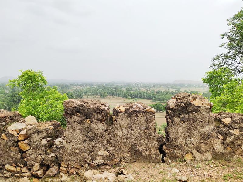 Η άποψη της όμορφης φύσης στην κορυφή του λόφου στοκ εικόνες