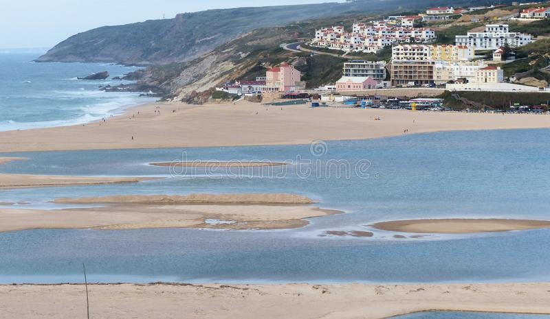 Η άποψη Foz κάνει την παραλία Arelho στοκ φωτογραφία