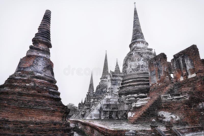 Η άποψη Wat Phra Sri Sanphet βρίσκεται στο ιστορικό πάρκο Ayutthaya στην Ταϊλάνδη στοκ εικόνες
