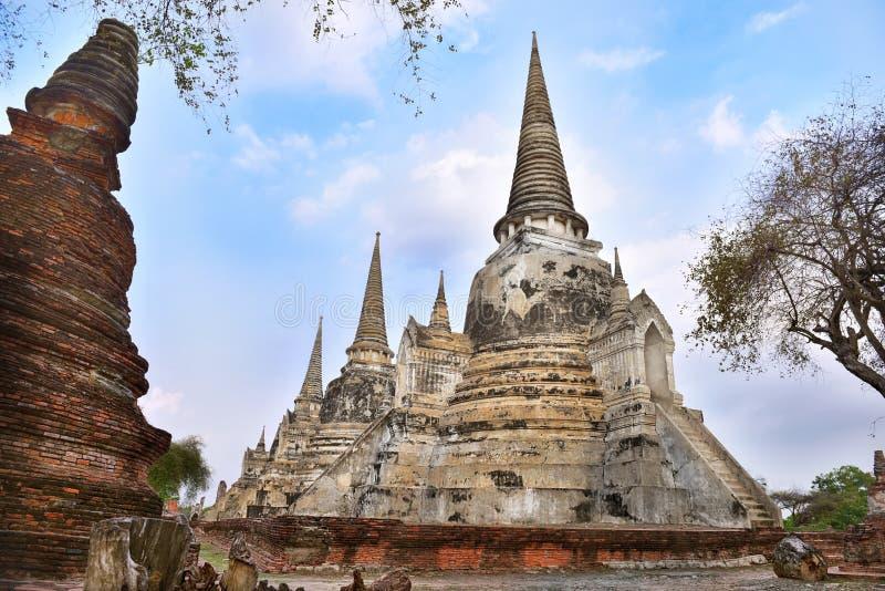 Η άποψη Wat Phra Sri Sanphet βρίσκεται στο ιστορικό πάρκο Ayutthaya στην Ταϊλάνδη στοκ φωτογραφία
