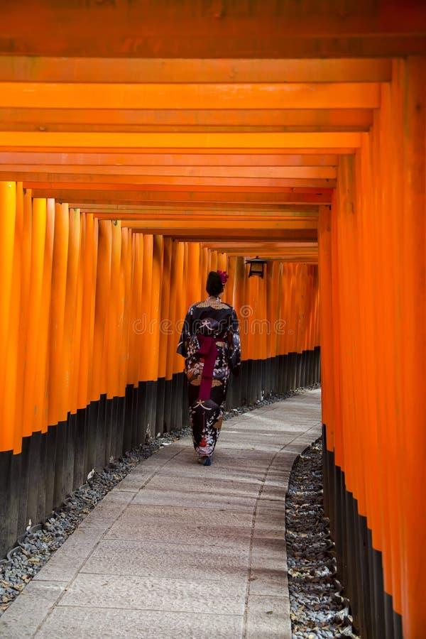 Η λάρνακα Inari Fushimi στο Κιότο, Ιαπωνία στοκ φωτογραφίες με δικαίωμα ελεύθερης χρήσης
