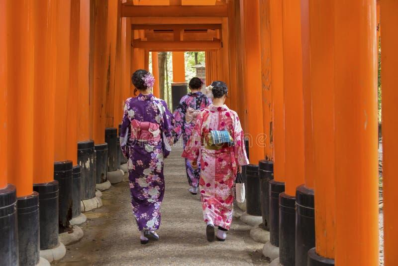 Η λάρνακα Inari Taisha Fushimi, Κιότο, Ιαπωνία στοκ εικόνα