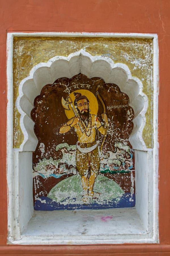 Η έκτη ενσάρκωση Parasuramavtar του Λόρδου Vishnu χρωμάτισε colourfully στον τοίχο του ναού Vishnu Narayan στην κορυφή Parvati  P στοκ εικόνες
