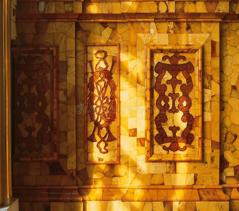 Ηλέκτρινο δωμάτιο στο παλάτι Tsarskoye Selo Pushkin στοκ εικόνα