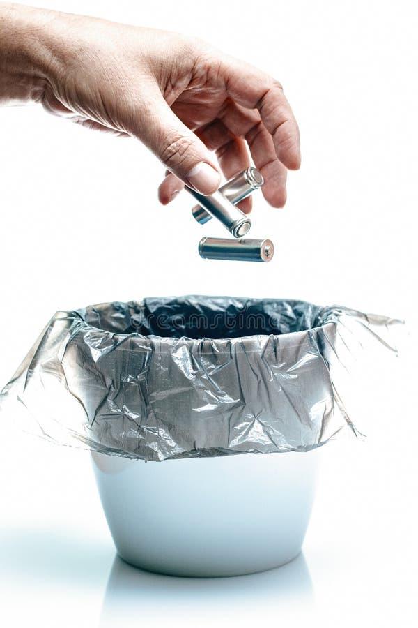 Η έννοια ανακύκλωσης οικολογίας, δεν ρυπαίνει το σημάδι, λίγα χρησιμοποιούμενα batterie στοκ φωτογραφίες με δικαίωμα ελεύθερης χρήσης