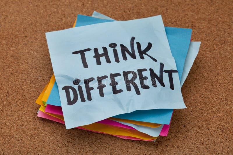 η έννοια διαφορετική σκέφ&tau στοκ εικόνες