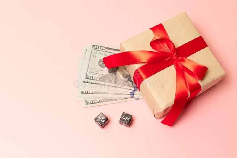 Η έννοια, χρήματα ως δώρο, κερδίζει ή επίδομα Φύλο για τα χρήματα στοκ φωτογραφία με δικαίωμα ελεύθερης χρήσης