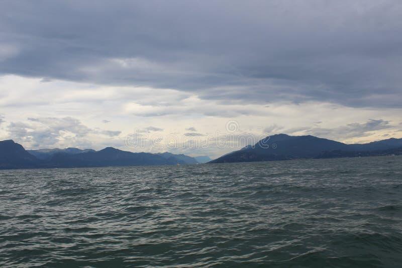 Η λίμνη Garda στοκ εικόνα