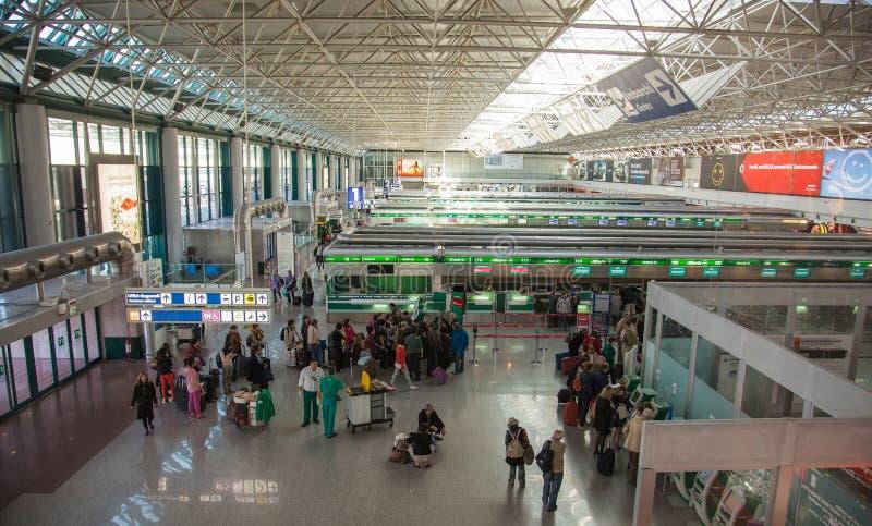 Η αίθουσα της εγγραφής στον αερολιμένα της Ρώμης στοκ φωτογραφία με δικαίωμα ελεύθερης χρήσης