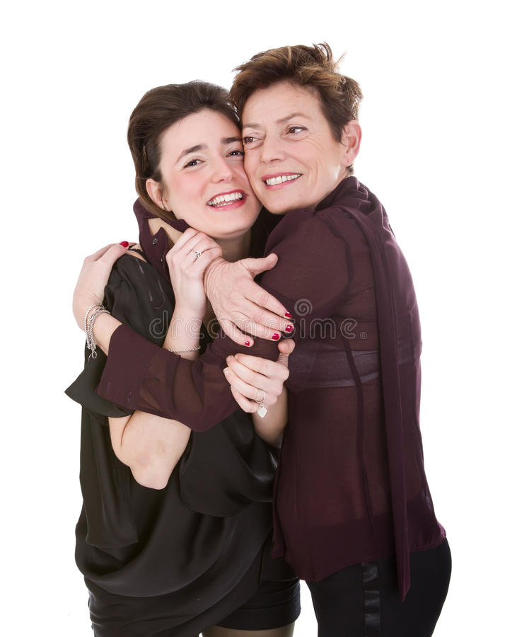 Η αγάπη Mom και κορών αγκαλιάζει στοκ φωτογραφίες