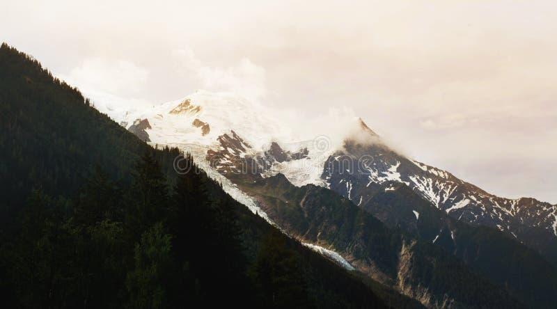 Η αιχμή της Mont Blanc σε Chamonix στοκ εικόνα