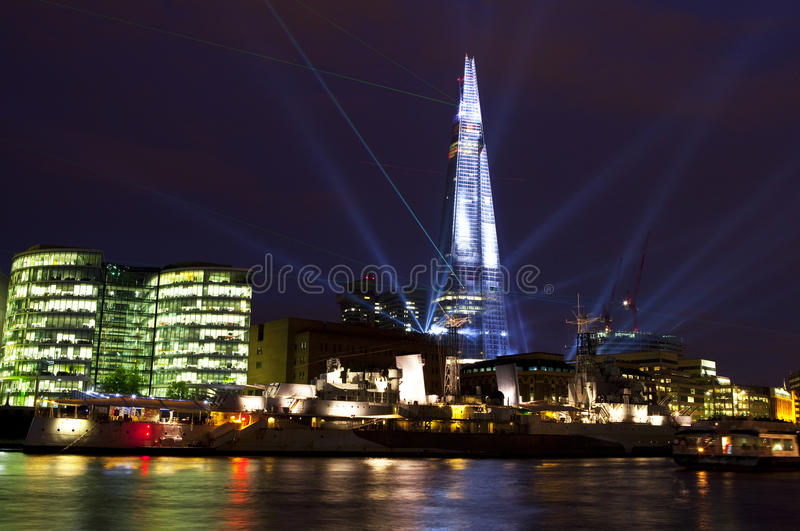 Η ακτίνα λέιζερ Shard εμφανίζει στο Λονδίνο στοκ φωτογραφίες με δικαίωμα ελεύθερης χρήσης