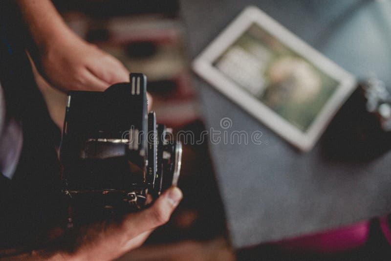 Η αναδρομική κάμερα κοιτάζει στοκ εικόνα