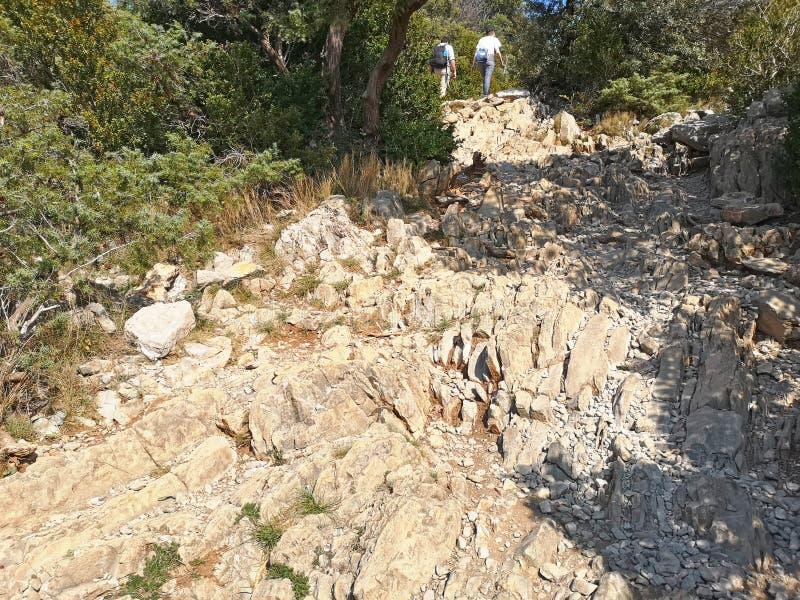 Η αναρρίχηση στο PIC Άγιος Loup τοποθετεί στοκ εικόνα