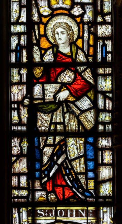 Η ανατολή εκκλησιών του ST Andrew ` s λεκίασε το παράθυρο στενός επάνω Άγιος John γυαλιού στοκ φωτογραφίες με δικαίωμα ελεύθερης χρήσης