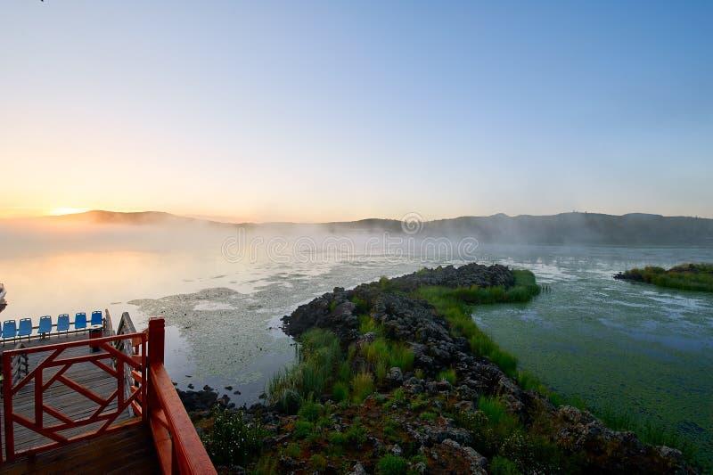 Η ανατολή λιμνών στοκ φωτογραφίες