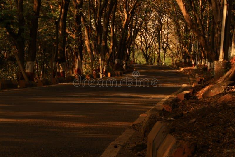 Η απομονωμένη οδός στοκ φωτογραφία με δικαίωμα ελεύθερης χρήσης