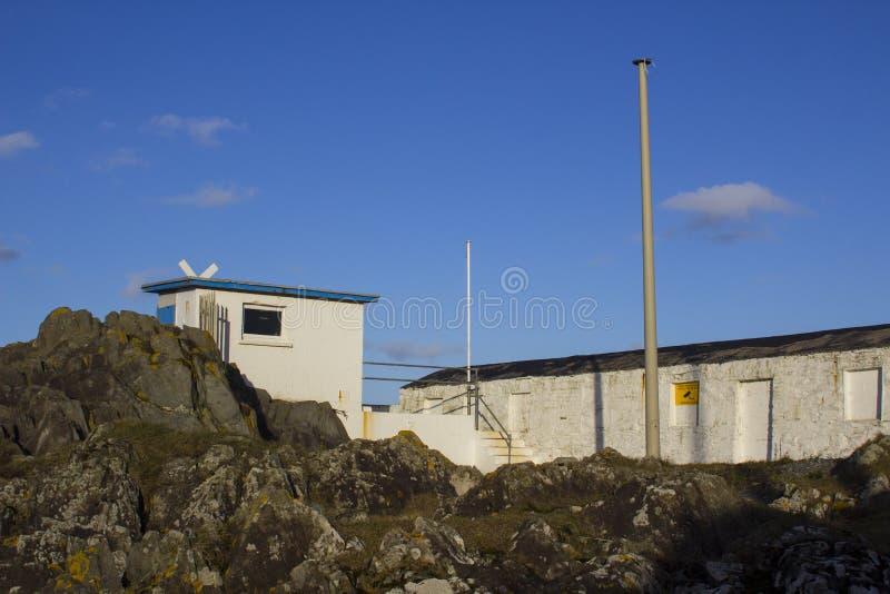 Η αρχαία πέτρα έχτισε το σπίτι βαρκών που χρησιμοποιήθηκε από τους βασιλικούς ανώτερους υπαλλήλους φυλών λεσχών γιοτ της Ulster γ στοκ φωτογραφία με δικαίωμα ελεύθερης χρήσης