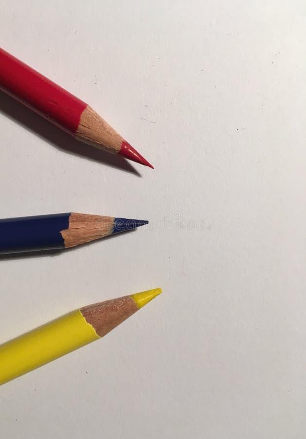 Η αρχική Λευκή Βίβλος μολυβιών χρωμάτων oon στοκ φωτογραφίες