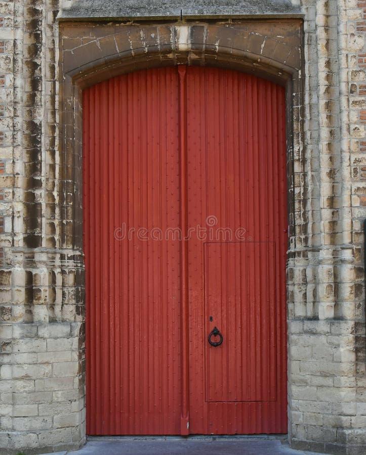 Η αρχιτεκτονική της μεσαιωνικής Ευρώπης είναι παλαιές παράθυρα και πόρτες, λεκιασμένοι γυαλί και φραγμοί Χάγη Οι Κάτω Χώρες στοκ εικόνες με δικαίωμα ελεύθερης χρήσης