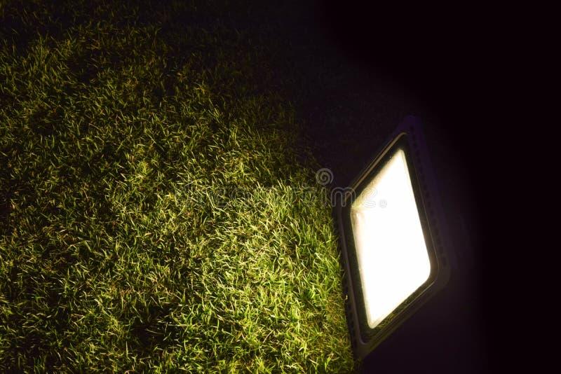 Η αφηρημένη πυράκτωση επικέντρων προειδοποιεί το φως στο γυαλί στοκ φωτογραφίες