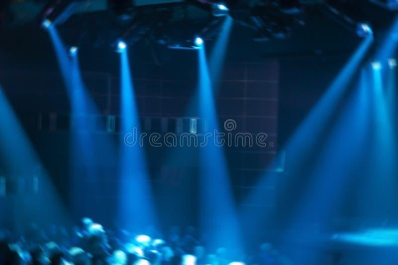 Η αφηρημένη σκηνή συναυλίας μουσικής ροκ εμφανίζει έννοια στοκ εικόνα με δικαίωμα ελεύθερης χρήσης