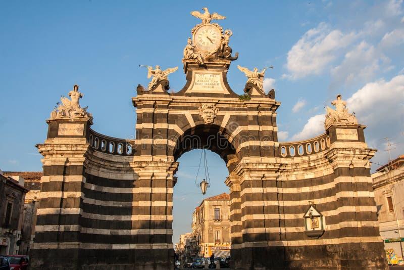 Η αψίδα Giuseppe Garibaldi, Κατάνια, Σικελία, Ιταλία στοκ φωτογραφία με δικαίωμα ελεύθερης χρήσης