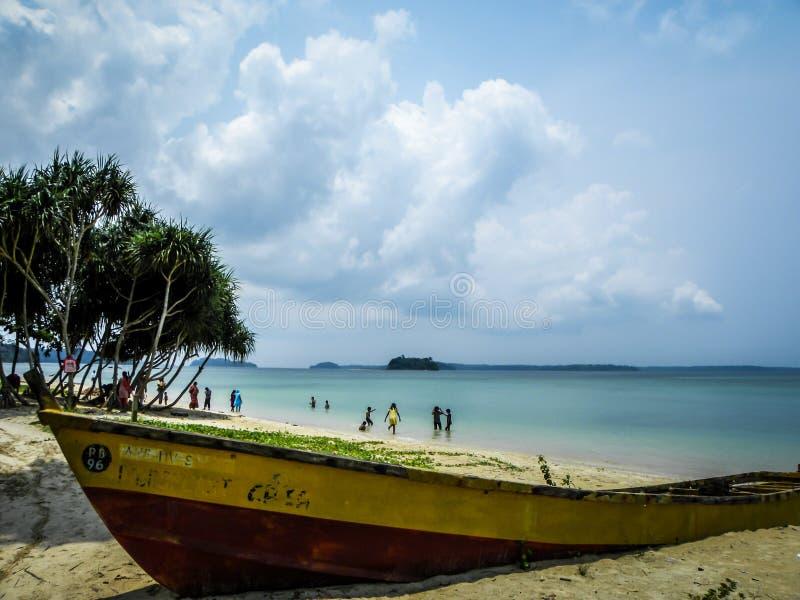Η βάρκα στοκ εικόνες με δικαίωμα ελεύθερης χρήσης